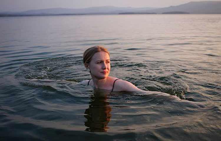 Open water treading