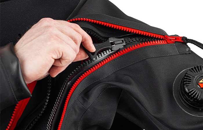 How to repair zipper of drysuit